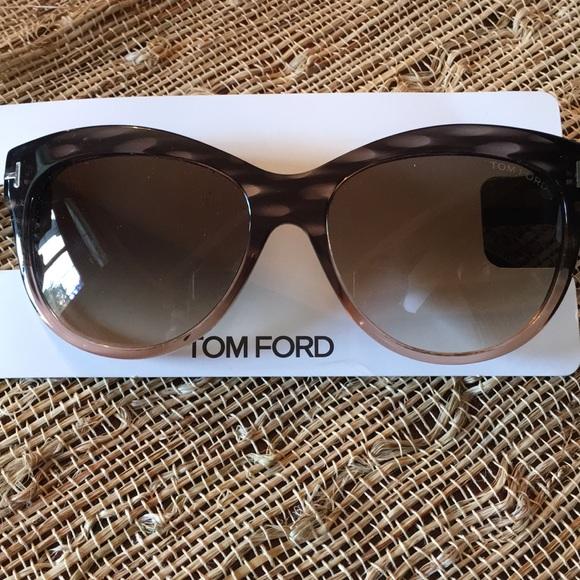 e62ab39dadcf0 Authentic Tom Ford Lily Sunglasses TF 430. M 5b743101dcfb5a3bf074e28b